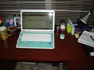 I'm adding a different angle of my desk just to prove it really is clutter free.